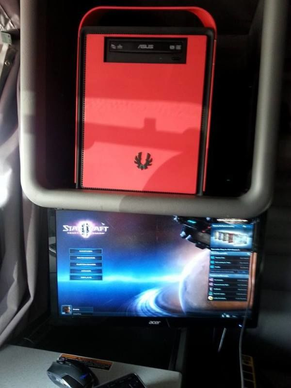 truckers gaming computer and monitor in truck