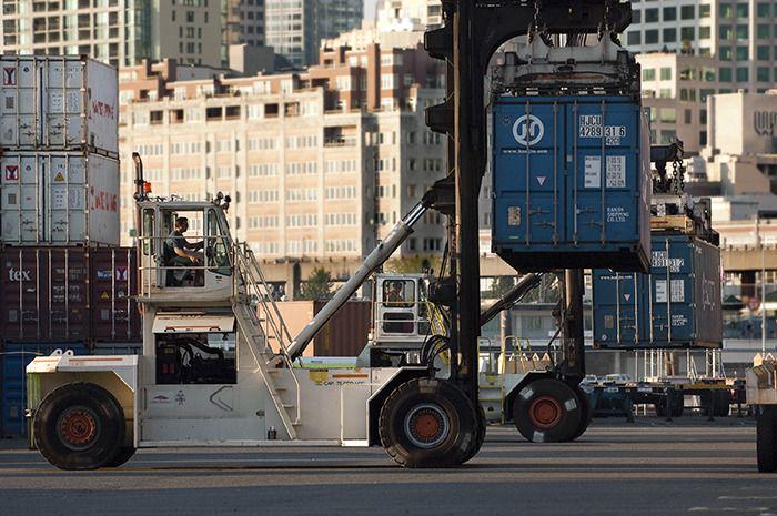 top-loading container handler forklift