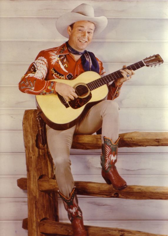 roy-rogers-with-guitar-on-fence.jpg
