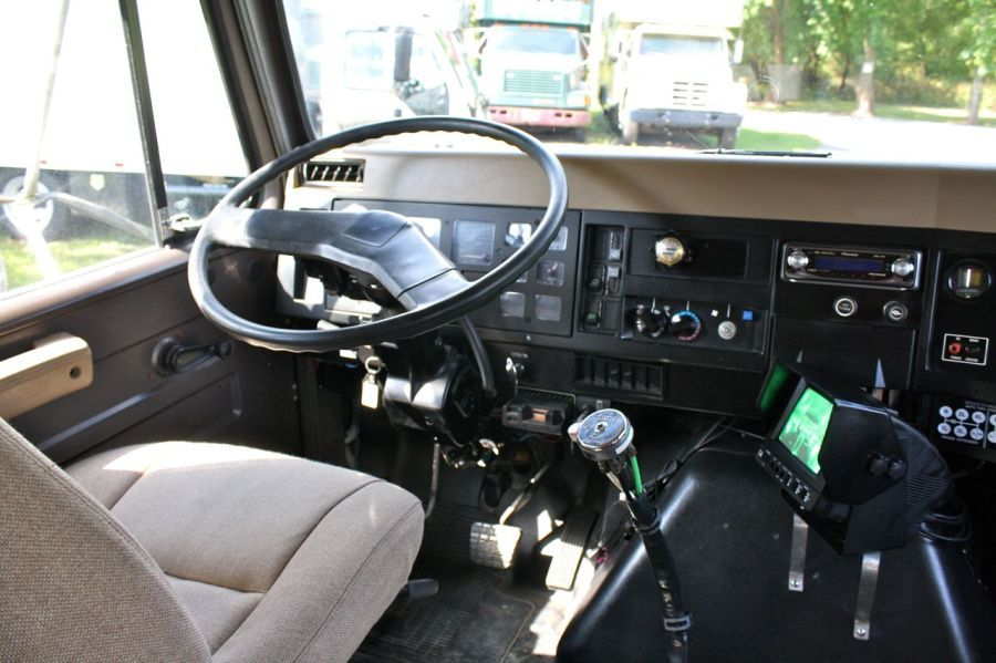 1991_international_crew_cab_8_horse_dibella_van_10.jpg