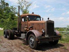old beat-up vintage truck