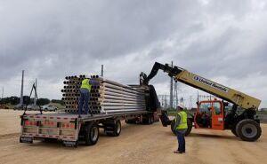 Unloading pipe.