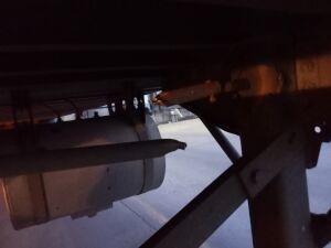 Landing gear broken